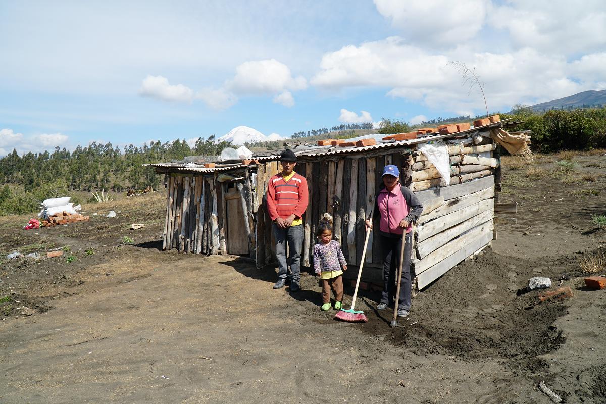 Die alte Wohnhütte der Saiguas ist ein einfacher Bretterverschlag